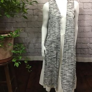 💙 SALE! 3/$15 LuLaRoe gray white marl stripe vest